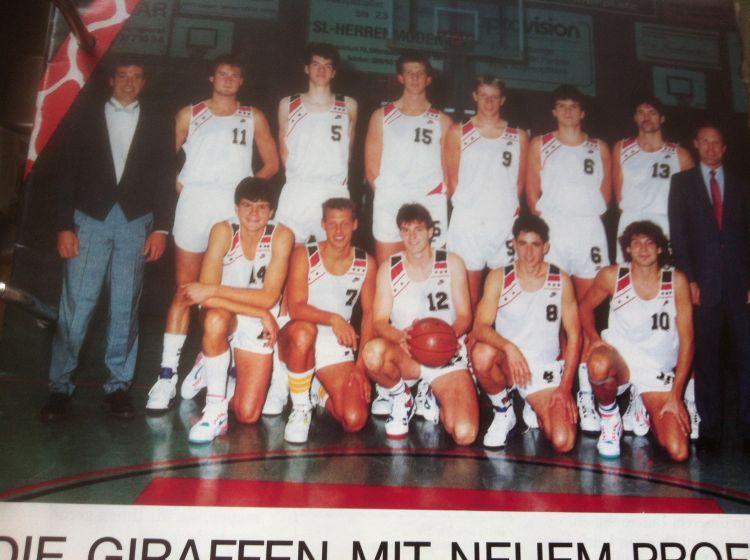 25.Saison1990-91Team-He1-750