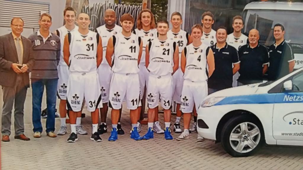 46.-6 Saison 2011-2012_ Teamfoto He 1