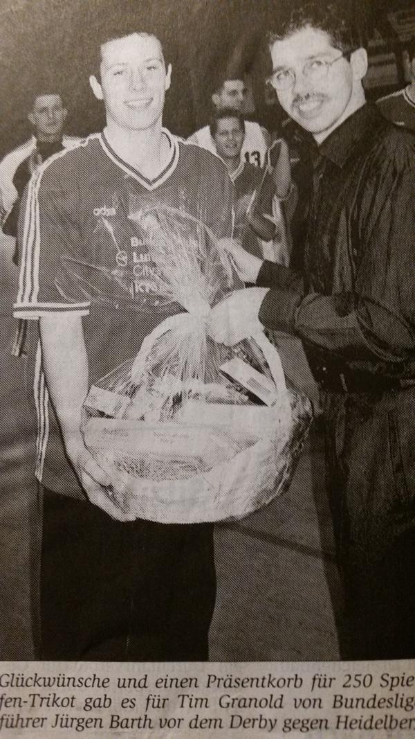 34.-1 Saison, 1999-00, Jogi Barth ehrt Tim Granold 250 Spiele