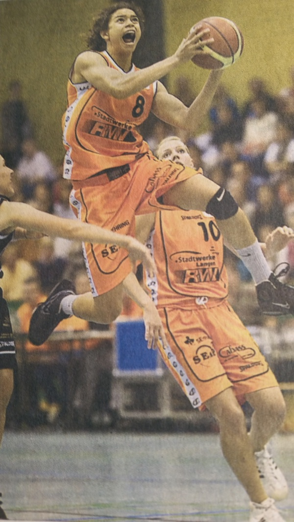 44.-2 Saison 2009-2010, Cissy fliegt