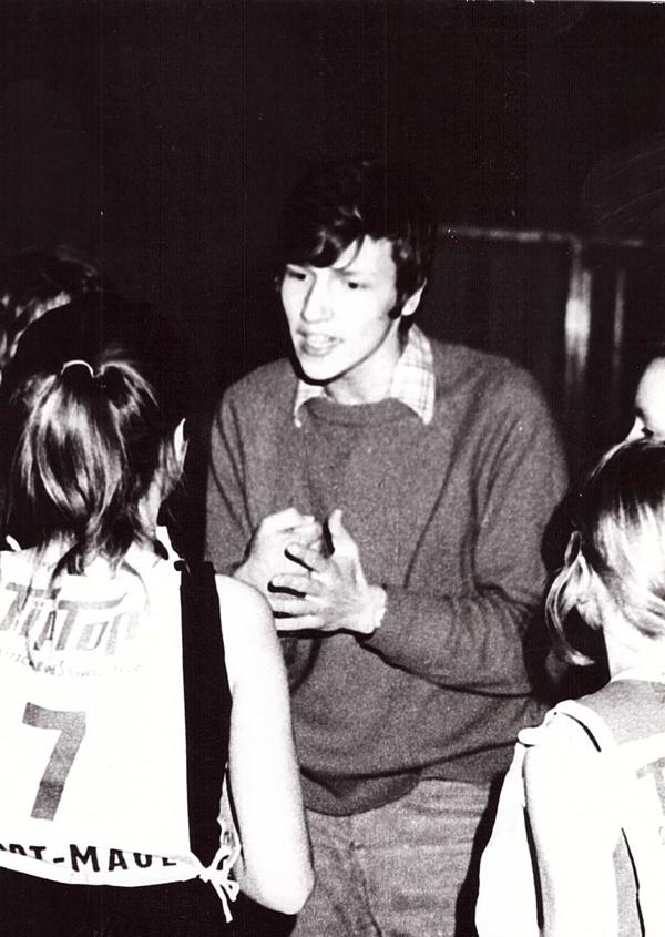 Wolfgang Aevers als Trainer der Mädchen