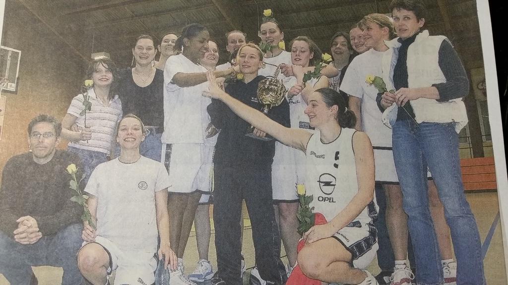 40.-2 Saison 2005-2006_ Damen 1