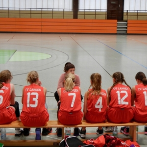 Mit nur 6 Spielerinnen gewinnt die WU14 im Heimspiel gegen die TG Hanau